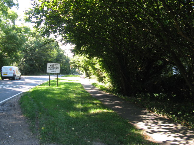 Lagness Road approaching North Mundham