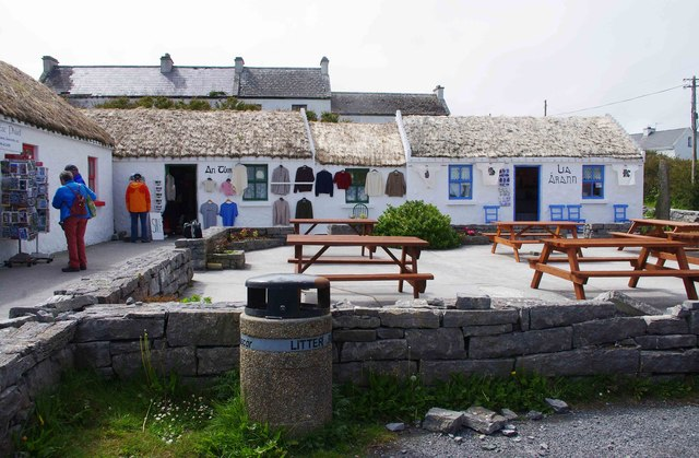 Souvenir shops at Cill Mhuirbhigh (Kilmurvy), Inishmór (Árainn), Aran Islands, Co. Galway