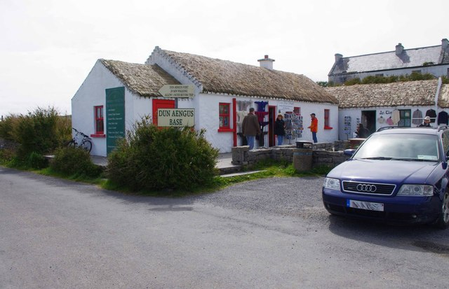 Souvenir shops at Cill Mhuirbhigh (Kilmurvy), Inishmór (Árainn), Aran Islands, Co. Galway
