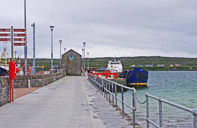 Quay and boats at Cill Rónáin (Kilronan), Inishmór, Aran Islands, Co. Galway