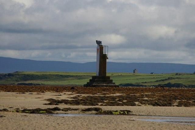 Navigational post near Rinnaun Point