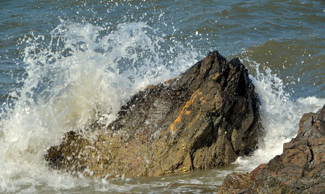 Rocks and waves, Helen's Bay (2)