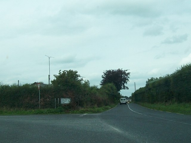 Minor road junction of the R164 at Whitecommons