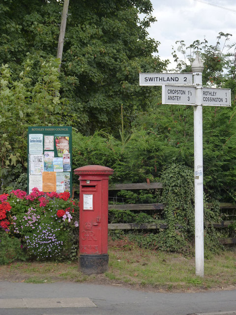 Westfield Lane/Rothley postbox ref LE7 281