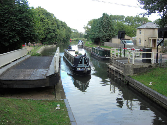 Tyle Mill Swing Bridge and the Kennet and Avon Canal