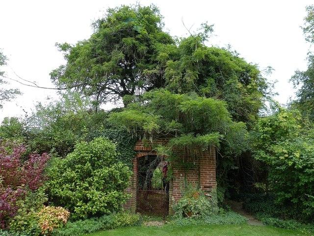 Rymans - gateway in gardens