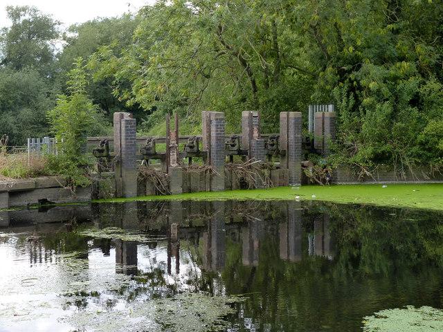 Cossington Weir sluices