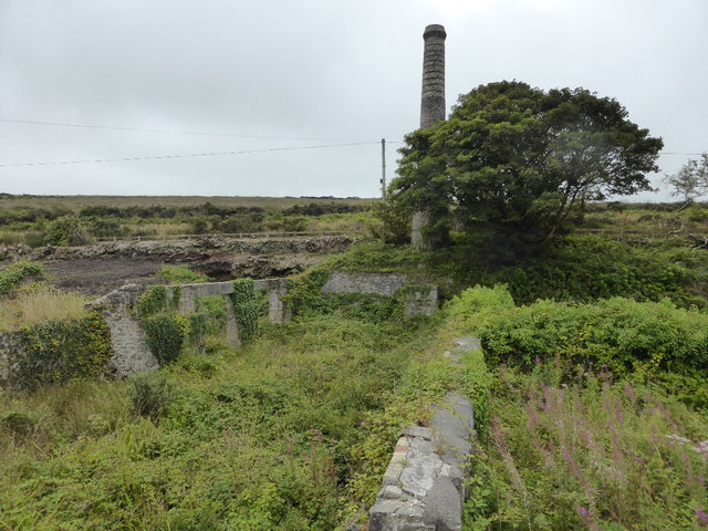 Another view of the Clay dry chimney