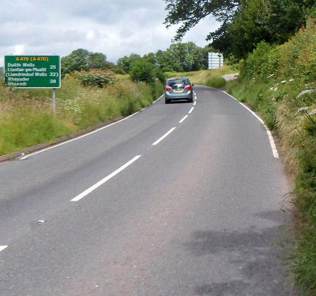 Distances along the A479 SE of Tretower