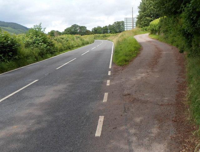 Access lane to Llwyncrwn Farm SE of Tretower