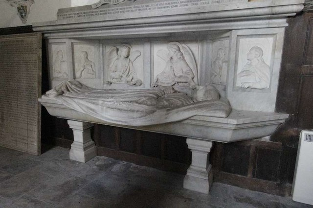 Effigy by the tomb