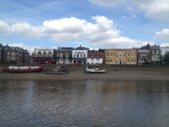 Blue Anchor pub from the River Thames