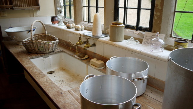 Washing up - Blickling Hall kitchen