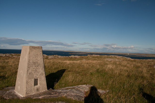 Trigpoint at An Cnap, Vaul, Tiree