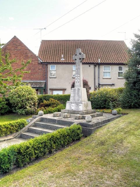 War Memorial and Memorial Garden, Edwinstowe