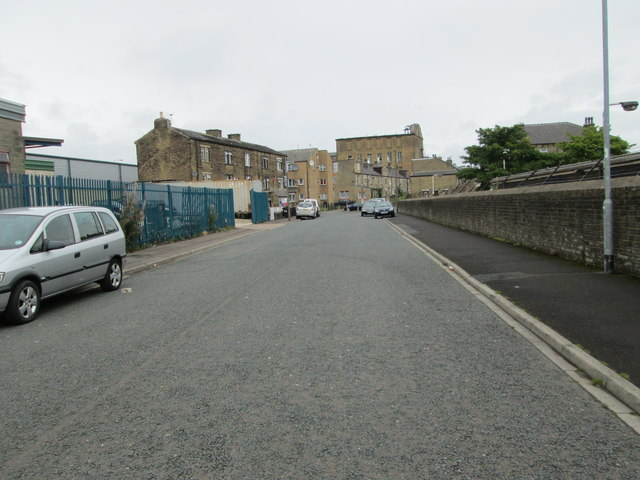 Victoria Road - looking towards Hanson Lane