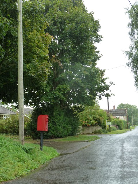 Rush hour in Upton Lovell
