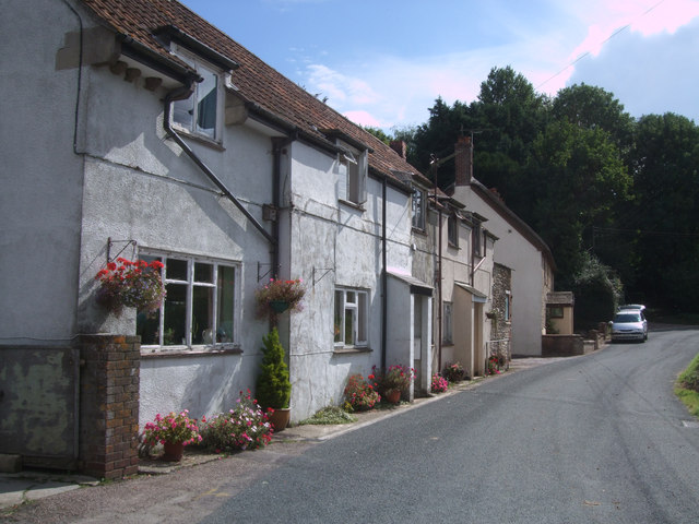 Cottages, Burstock