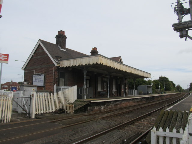 Oulton Broard North Station