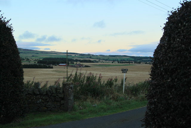 Ryelaw Farm entrance road