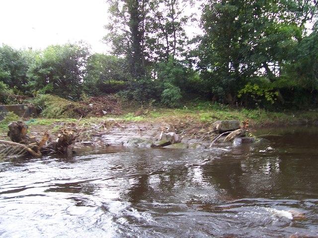 Remains of Wardsend weir