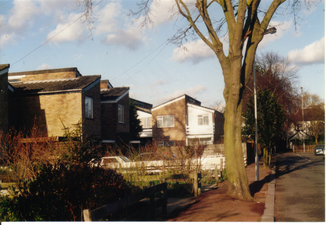 Modern houses on Wolverton Road, Stanmore 1995