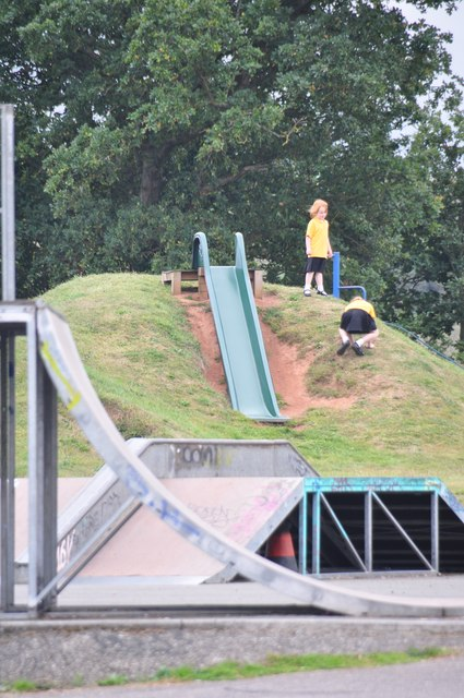 Exminster : Deepway Playground