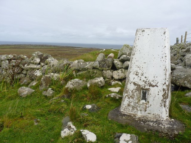 Trigpoint at Dùn Mòr a' Chaolais, Tiree