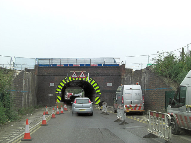 Mainline railway bridge over Cow Lane