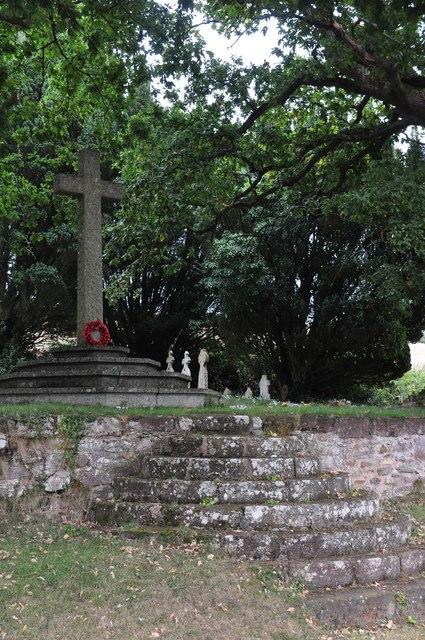 Kenn : St Andrew's Churchyard Cross