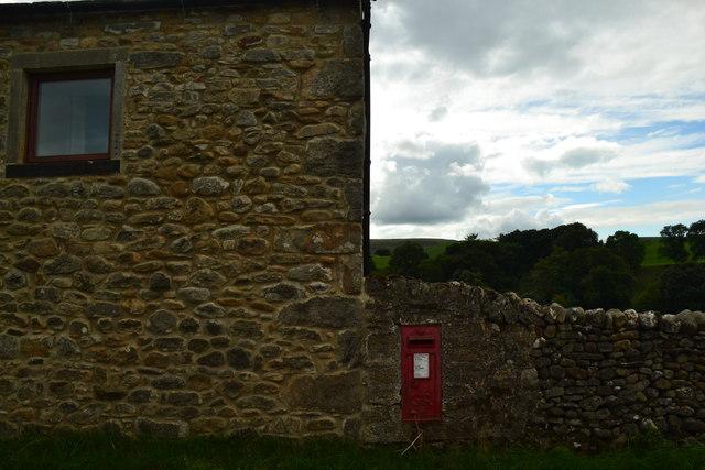 George V post-box, Hebden