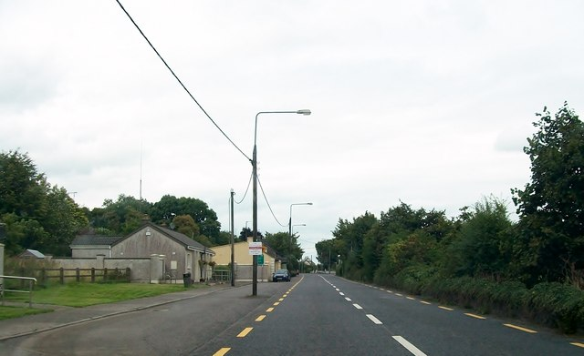 View north along the N52 (Delvin Road) at Clonmellon