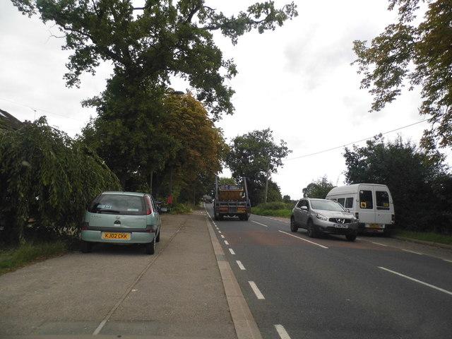 Cattlegate Road heading for Cuffley