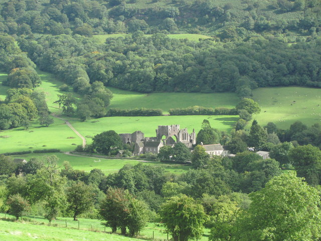Llanthony Priory from Cwm-bwchel