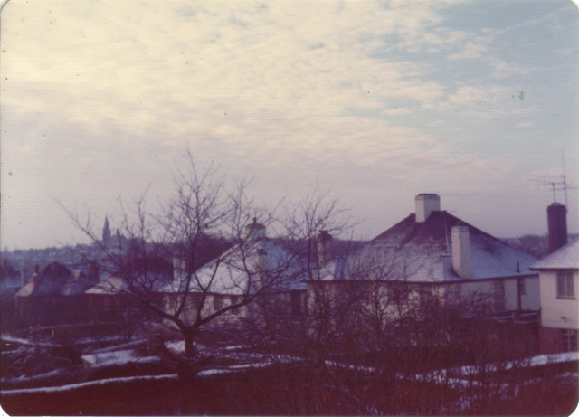Snowy rooves on Ludlow Way, 1976