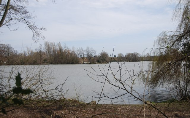 Flooded gravel pit, Blackwater Valley
