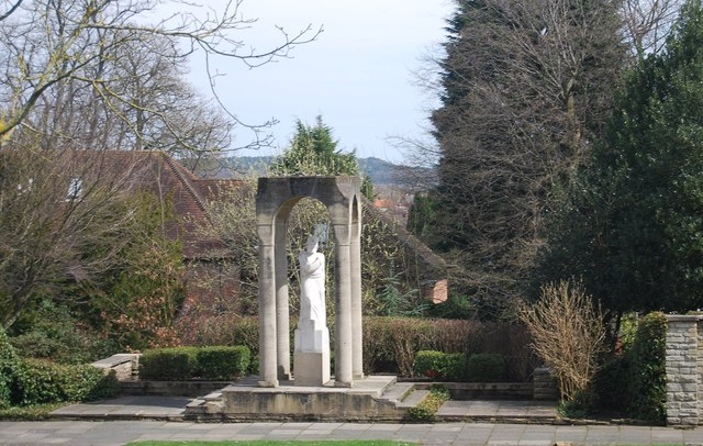 Statue, Manor Park