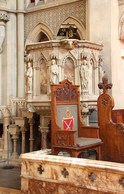 St Matthew, St Petersburgh Place - Pulpit