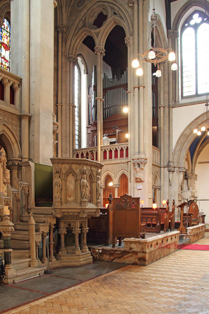 St Matthew, St Petersburgh Place - Pulpit & organ