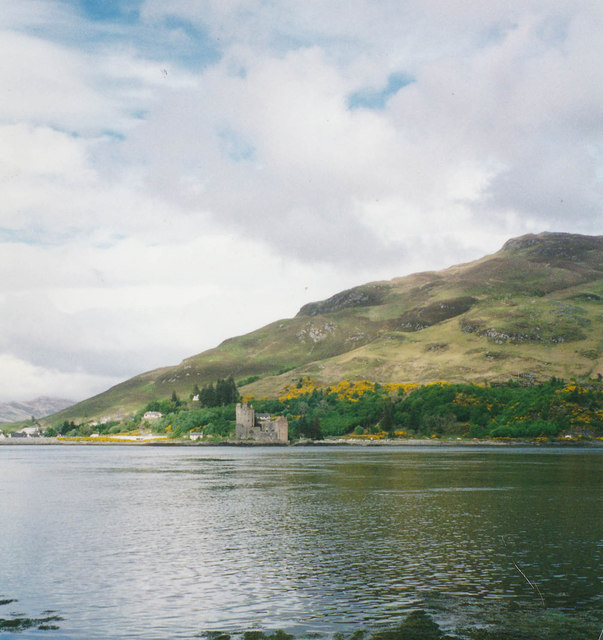 Loch Duich and Eilean Donan castle from the shore at Totaig
