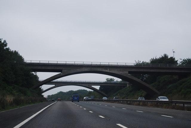 J18 overbridges, M4
