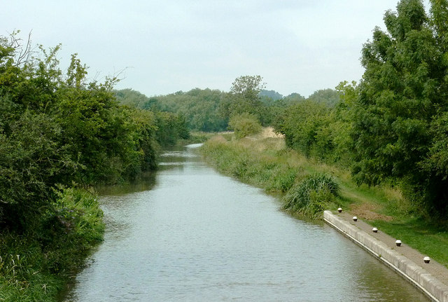 Grand Union Canal south of Great Glen, Leicestershire