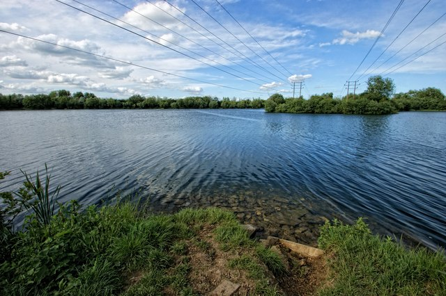 Witney Lake, Witney
