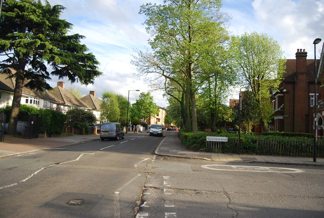 The end of Valleyfield Rd