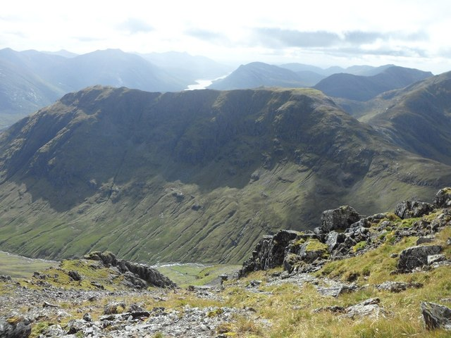 Looking into Gleann Fhaolain from ridge east of Bidean nam Bian