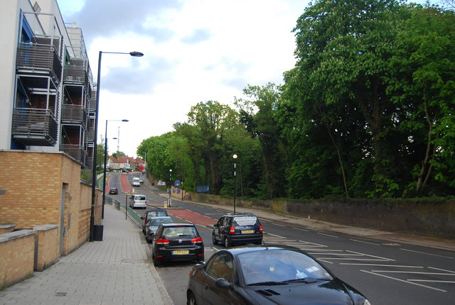 Central Hill, A214