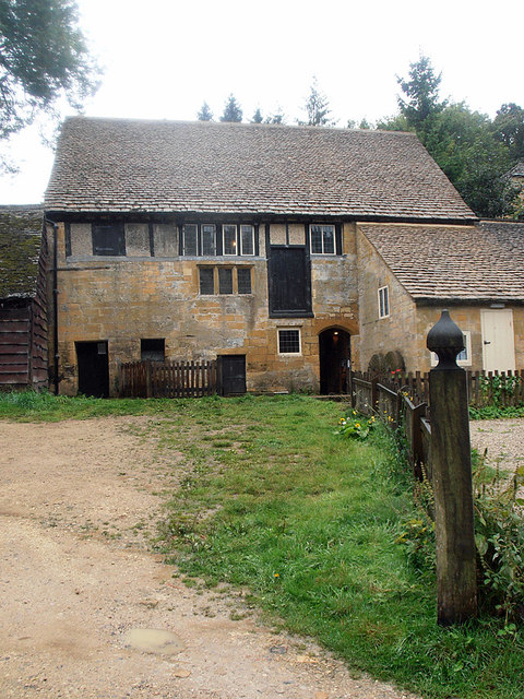 Cotswold Way 021 (Stanway Watermill)