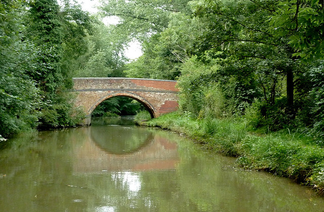 Approaching Bowden Road Bridge near Newton Harcourt, Leicestershire