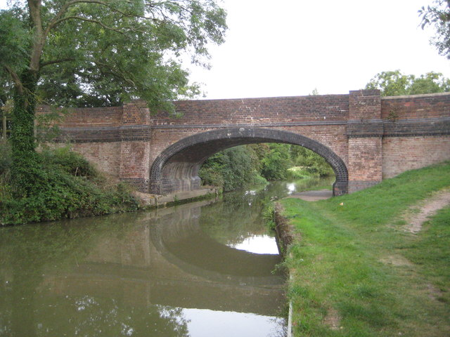 Grand Union Canal: Bridge Number 57