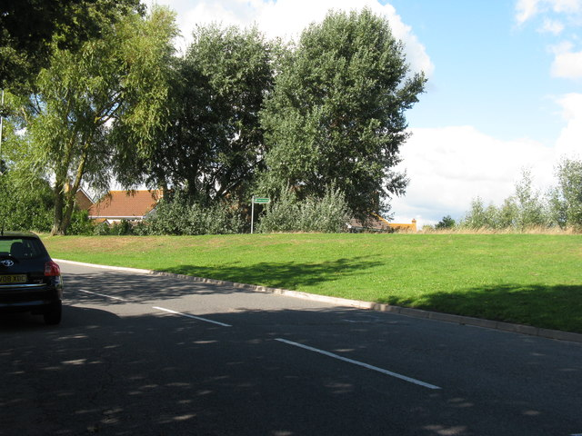 Footpath off Hazelwood Avenue Lower Willingdon